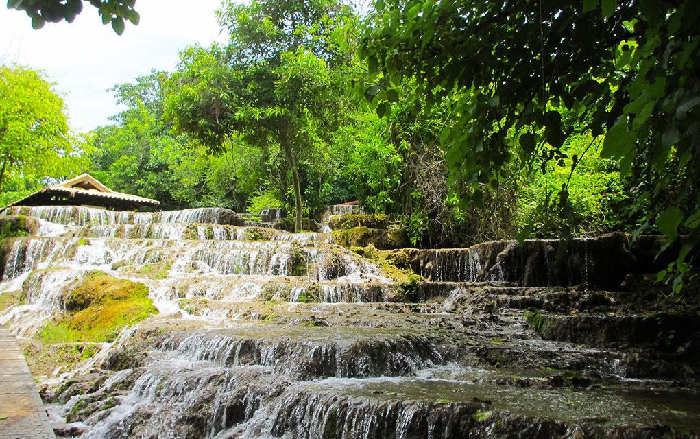 Nascente Azul Cachoeiras
